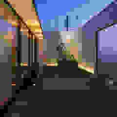 鶴見の家Ⅱ モダンな庭 の アトリエ・ブリコラージュ一級建築士事務所 モダン