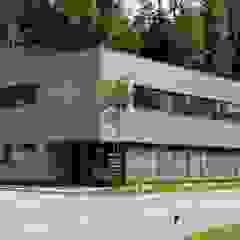 Spiegel Fassadenbau Modern offices & stores