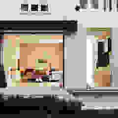 Paredes y pisos minimalistas de homify Minimalista