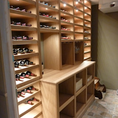 Country style wine cellar by Tolksdorf Innenausbau GmbH Country