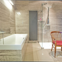 SARNA ARCHITECTS Interior Design Studio Modern bathroom