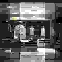 Oak Fume - walk-in-wardrobe от Lamco Design LTD Модерн