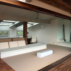 Modern style balcony, porch & terrace by fuusta Modern