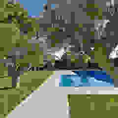 Jardins modernos por Studio Bugna Moderno