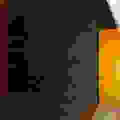 Alvaro Moragrega / arquitecto 인더스트리얼 창문 & 문