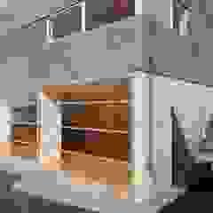 Alvaro Moragrega / arquitecto 인더스트리얼 발코니, 베란다 & 테라스
