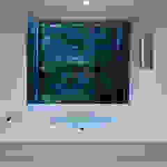 035カルイザワハウス モダンスタイルの お風呂 の atelier137 ARCHITECTURAL DESIGN OFFICE モダン タイル