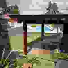 Piscinas de estilo tropical de Flávia Brandão - arquitetura, interiores e obras Tropical