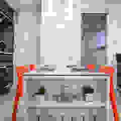 Modern Kitchen by Amanda Pinheiro Design de interiores Modern