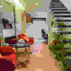 Brooklin Corredores, halls e escadas modernos por Lo. interiores Moderno
