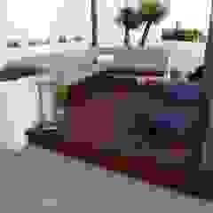 minimalist style balcony, porch & terrace by Ángel Méndez, Arquitectura y Paisajismo Minimalist