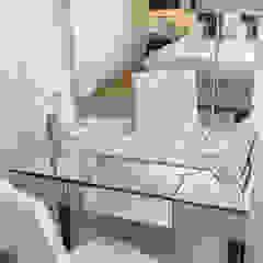 Chic dressing table Dormitorios de estilo minimalista de In:Style Direct Minimalista