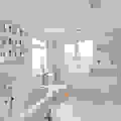 Bathroom Baños de estilo minimalista de In:Style Direct Minimalista