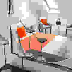 Loft Dormitorios de estilo minimalista de In:Style Direct Minimalista