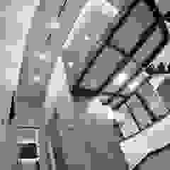 Paredes y suelos de estilo moderno de WE LOFT DESIGN Moderno