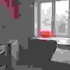 Mieszkanie po remoncie generalnym, w stylu eklektycznym, z czarno-białą kuchnią od HOLTZ Eklektyczny