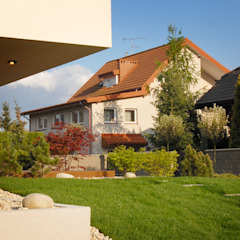 現代  by Autorska Pracownia Architektury Krajobrazu Jardin , 現代風