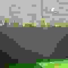 Roof terrace transformation por Paul Newman Landscapes Moderno