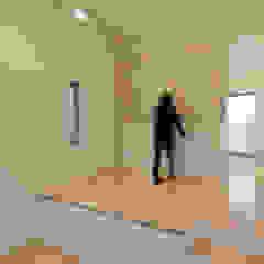 トレス建築事務所 Sala multimediale moderna