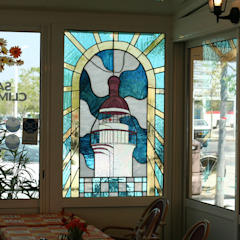 Atelier du Vitrail de Monique COPEL aux Roches de Condrieu Hôtels méditerranéens par Atelier du vitrail Monique Copel Méditerranéen