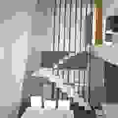 A ESCALA mae arquitectura Salones de estilo moderno
