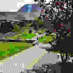 Ландшафтный дизайн в Валерьяново Сад в эклектичном стиле от Aster Garden Эклектичный