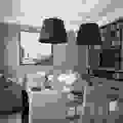 Salones de estilo moderno de MIKOŁAJSKAstudio Moderno