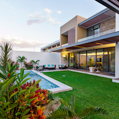 Modern style gardens by Enrique Cabrera Arquitecto Modern