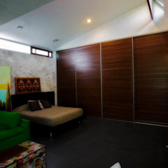 Dormitorio Principal Dormitorios de estilo moderno de sanzpont [arquitectura] Moderno
