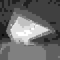 by 弘中建築設計事務所 Rustic