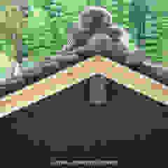 Garasi Gaya Asia Oleh 山道勉建築 Asia Kayu Wood effect