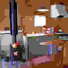八ヶ岳コテージ カントリーデザインの キッチン の Cottage Style / コテージスタイル カントリー