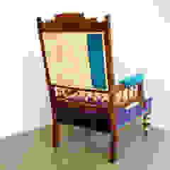 Versaille chair por Urban Upholstery Clássico