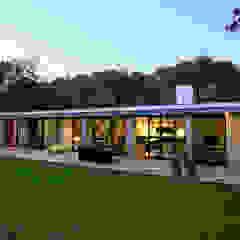 by De Kovel architecten Modern