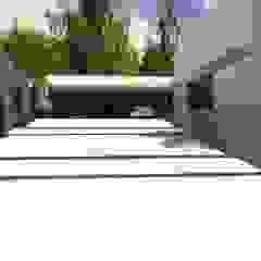 Modern home by Cláudia de Andrade Arquitetura Modern