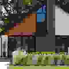 House in Chandlers Ford II 現代房屋設計點子、靈感 & 圖片 根據 LA Hally Architect 現代風