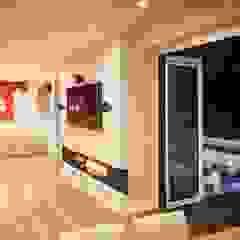 House in Chandlers Ford II 现代客厅設計點子、靈感 & 圖片 根據 LA Hally Architect 現代風