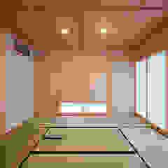 House-MHK モダンな 壁&床 の LiPS DESIGN/(有)フレックス モダン