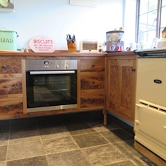 The ecllectic kitchen Country style kitchen by Auspicious Furniture Country