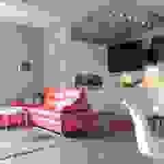 Małe mieszkanie z czerwonymi akcentami Nowoczesny salon od Perfect Home Nowoczesny