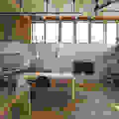 西庇の家 モダンデザインの リビング の 株式会社建楽設計 モダン