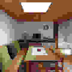浜松の家 モダンデザインの ダイニング の ㈲矢田義典建築設計事務所 モダン