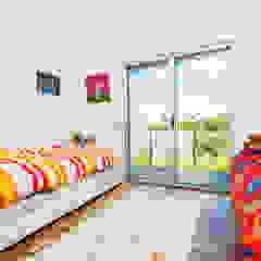 Chambre d'enfant moderne par shfa Moderne
