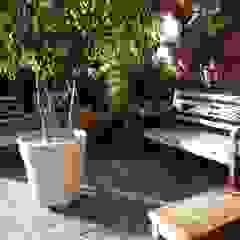 Flávia Brandão - arquitetura, interiores e obras Balconies, verandas & terraces Furniture