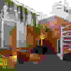 Licht en lucht in centrum Amsterdam Scandinavische balkons, veranda's en terrassen van PAA Pattynama Ahaus Architectuur Scandinavisch