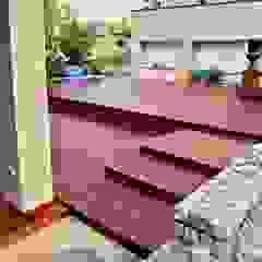 Taras drewniany przy basenie Rustykalny balkon, taras i weranda od Tarasy-drewniane- Dorota Maciejewska Rustykalny