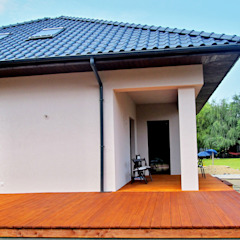 Tarasy-drewniane- Dorota Maciejewska Klassischer Balkon, Veranda & Terrasse