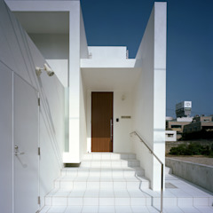 Casas estilo moderno: ideas, arquitectura e imágenes de 中本一哉建築設計事務所 Moderno
