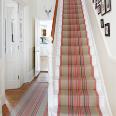 Roger Oates Chatham Mallow stair runner Roger Oates Design Коридор, прихожая и лестница в модерн стиле