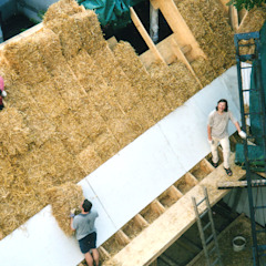 strawbale insulation Modern Houses by allmermacke Modern Sisal/Straw Blue